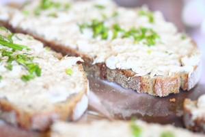 Brote mit Thunfisch-Frischkäse-Creme